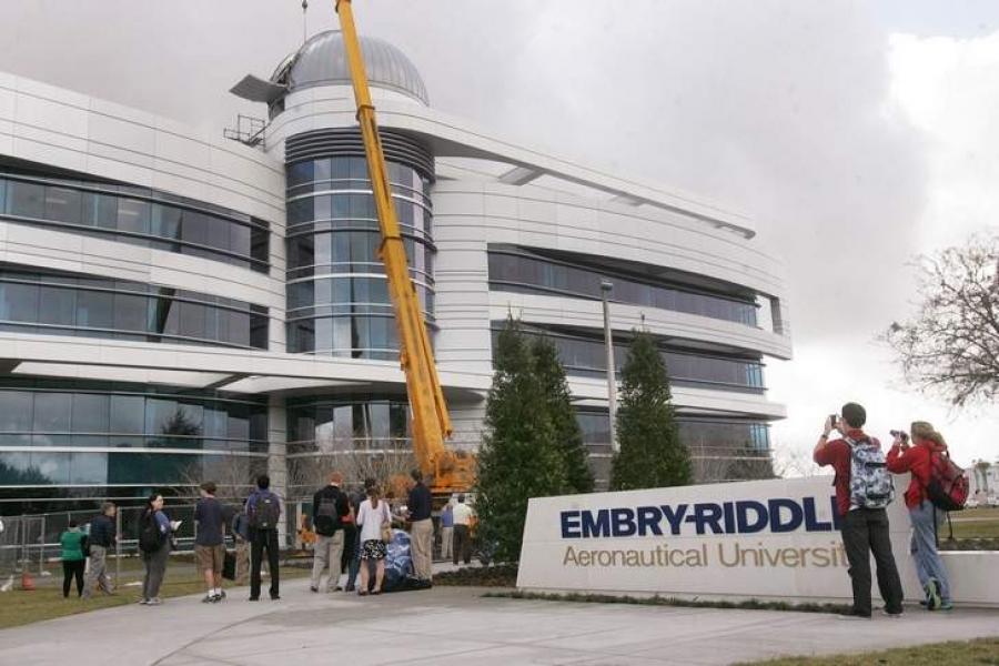 Telescope installation launches new ERAU degree program